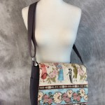 Fashion plate messenger bag
